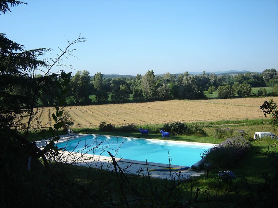 House with spectacular view houses for rent in beaumont for Piscine beaumont les valence
