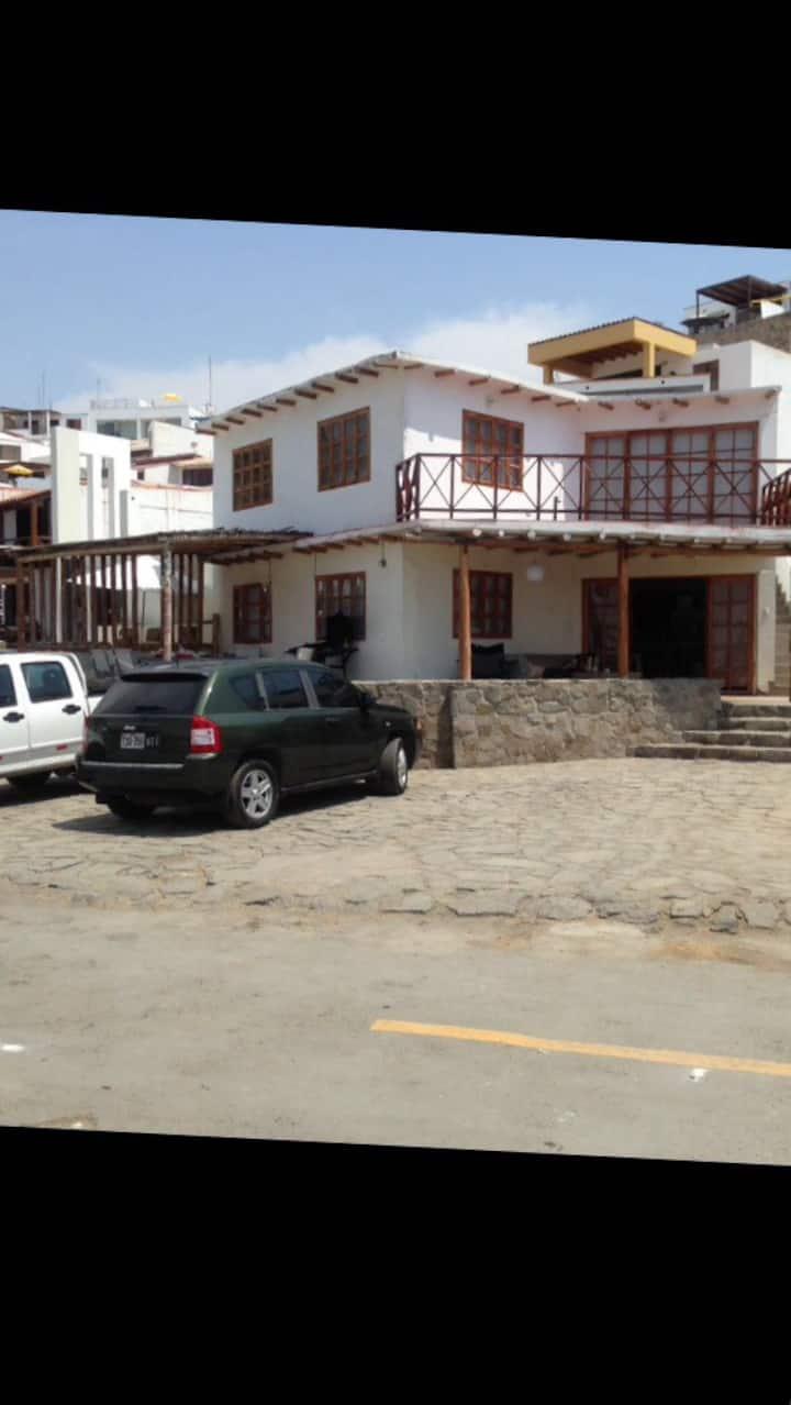 Casa 1ra fila Puerto Fiel - 1er piso