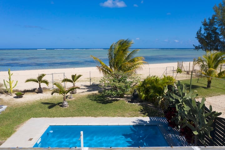 Chalet Kestrel on the beach, private pool for 1 -4