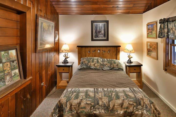 Bedroom 2 -double bed