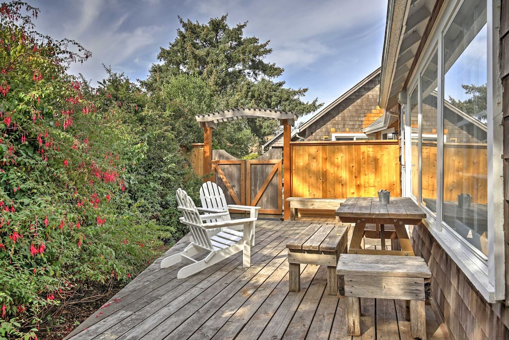With plenty of privacy and lush surroundings, the back deck will quickly become your favorite spot on the property.