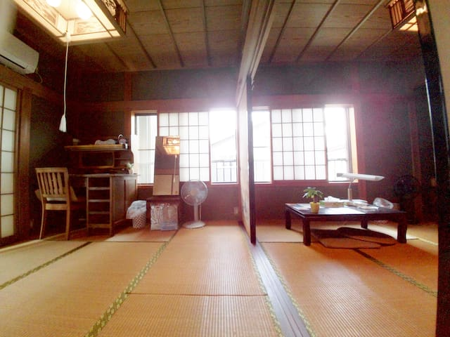 3min walk from Tsu stn; WiFi usable 津駅から徒歩3分 &WiFi - Tsu-si, Hadokoro-tyou - House