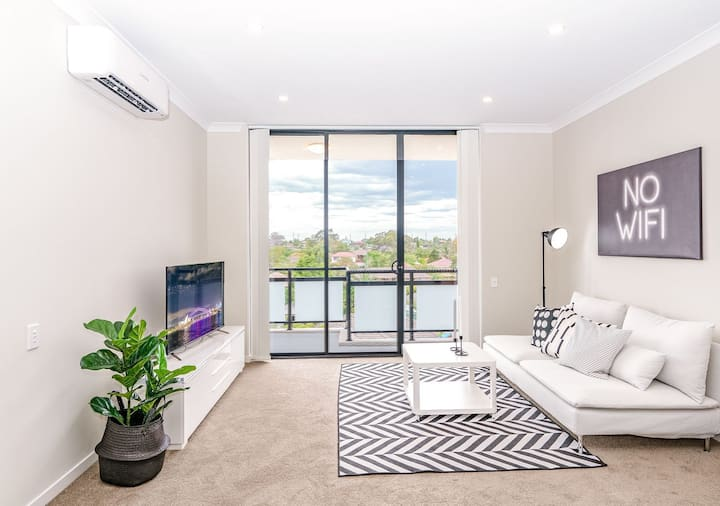 MP146-Designer 2Bedroom Apartment in Penrith
