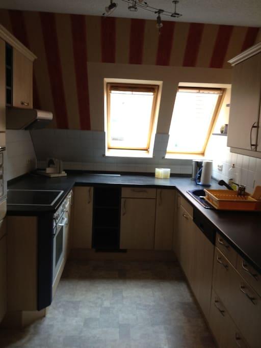 Küche, vollständig eingerichtet