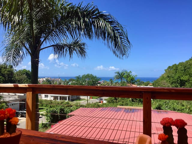 OceanView Loft, Deck, Power&Water, Beach-Close!