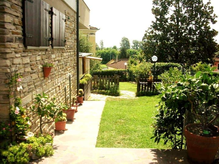 Monte San Quirico Rooms&Garden