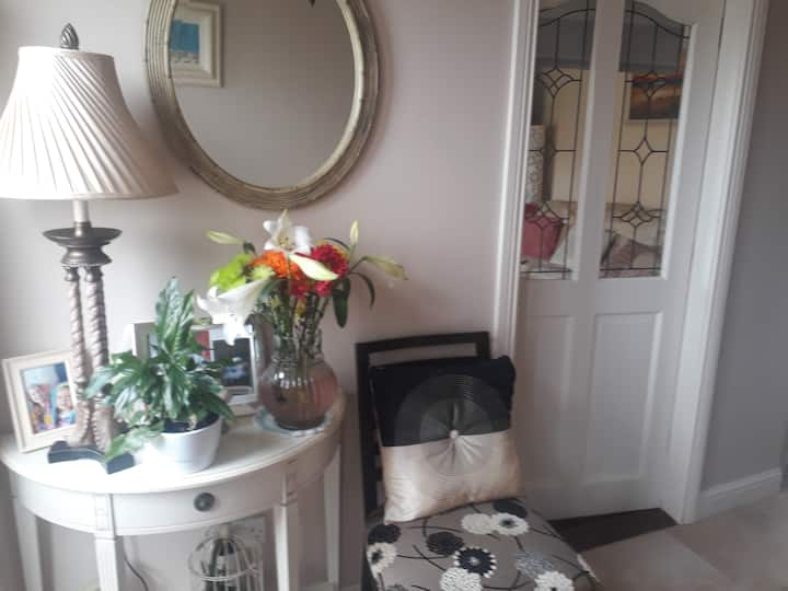 Cosy Quaint Home -overlooking   Fields of Athenry