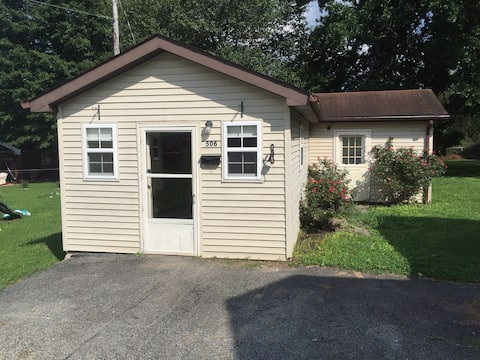 Comfortable tiny house in Campbellsville