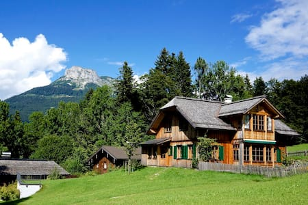 ★ ALTAUSSEE LODGE - big, bright - pure living !