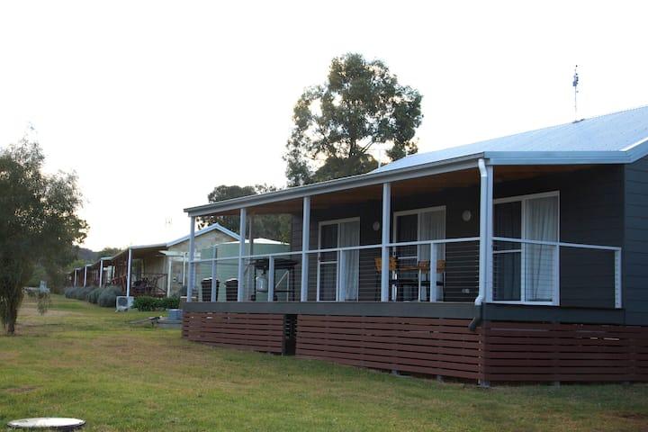 Mountain View Cottage in our Alpaca Farm