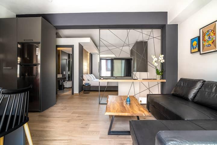 "The ""Loft"" - MOS Luxury City Suites"