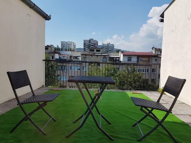 terrace with scent of neighborhood