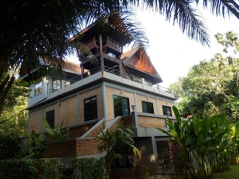 Exquisite Villa on Koh Mak