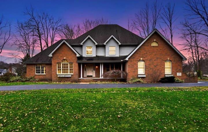 Large Home in Upscale Quiet Neighborhood.