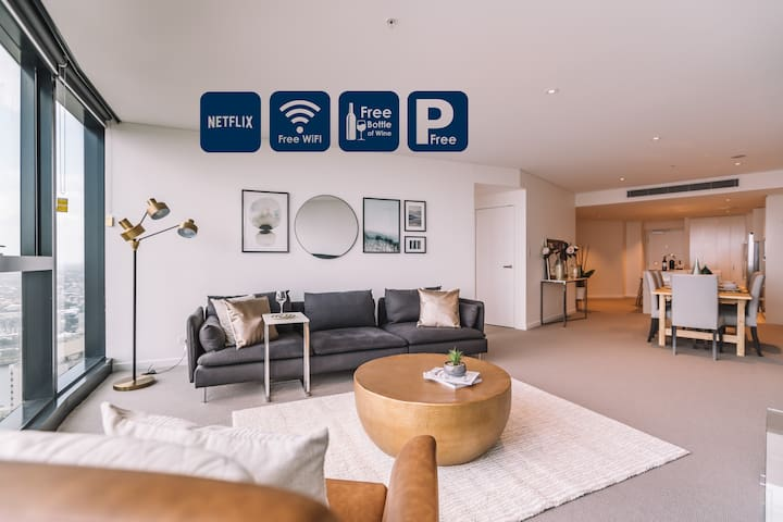 Luxe Brisbane Skytower 2Bed2Bath Apartment1CarPark