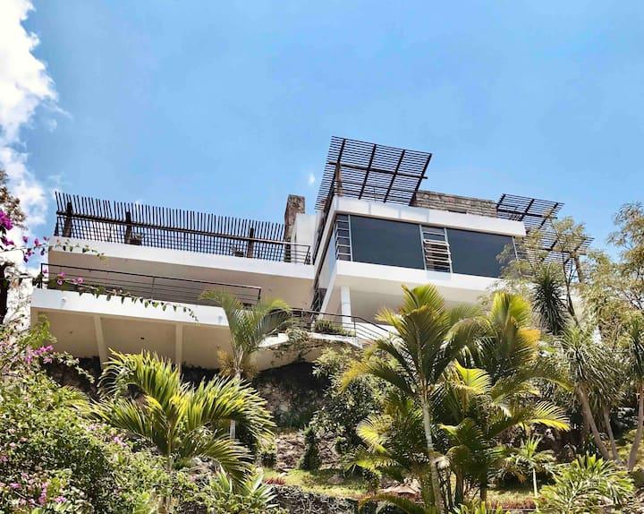La Casa Sobre La Roca, Lakefront views and Comfort