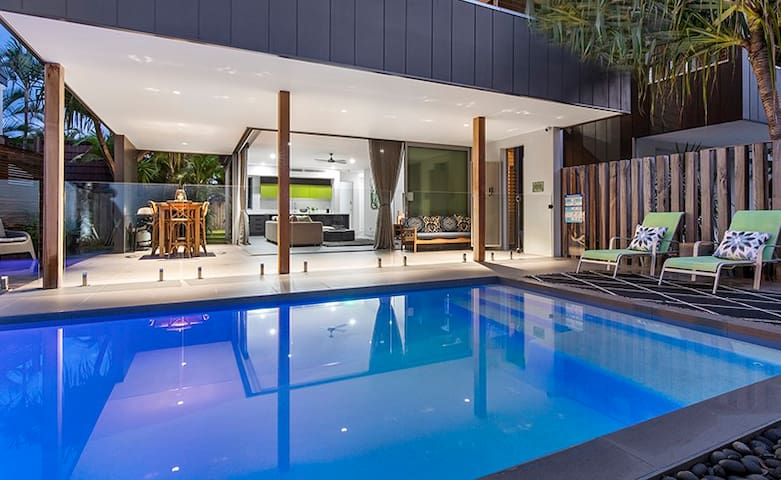 Noosa Sound Villa with Exclusive Private Pool