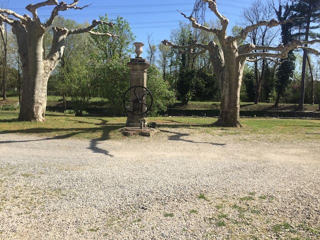 Grand Studio dans Bastide provencale