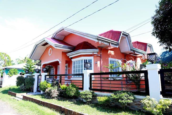 """""""ADZ  Residence"""" Brgy Pansol Pila Laguna with WIFI"""
