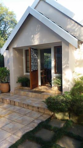 Jemmas picturesque garden cottage