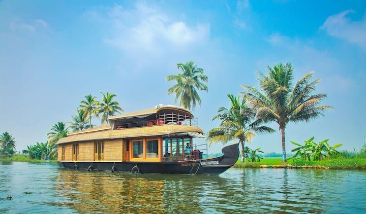 Heritage Houseboats