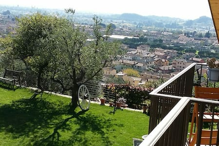 Love nest on hill country  stunning view and peace - Pove del Grappa - Apartemen