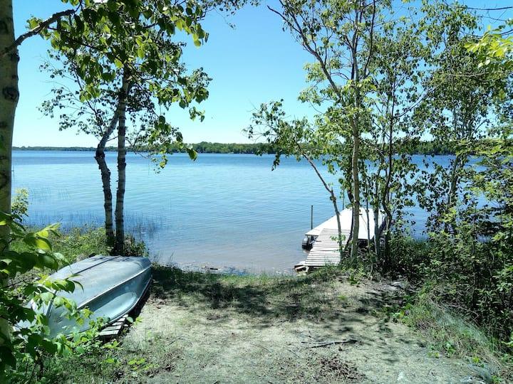 Miller Lake Waterfront Cottage