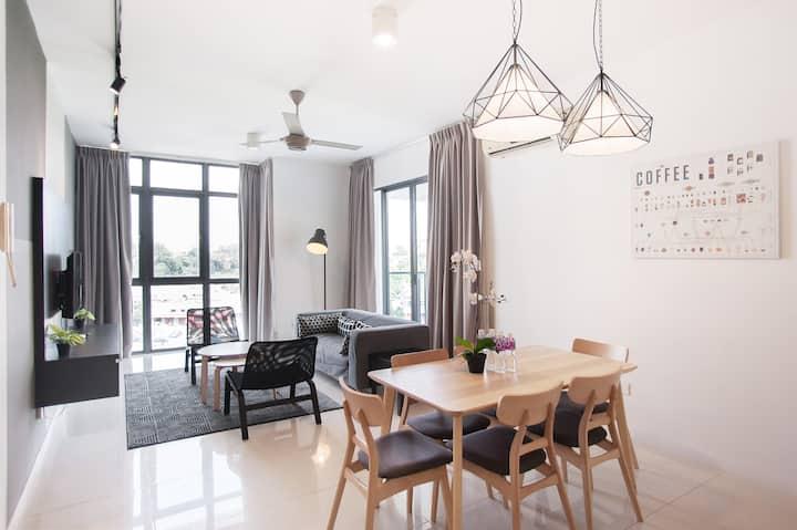 **Designer 3 Bedroom Condo @ Petaling Jaya**