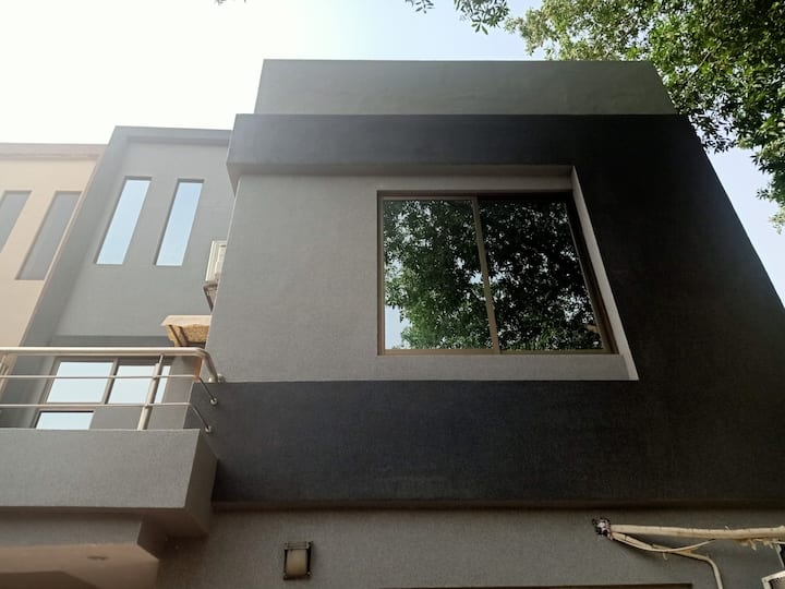 Beautiful separate house Near Mcdonald Bahria town