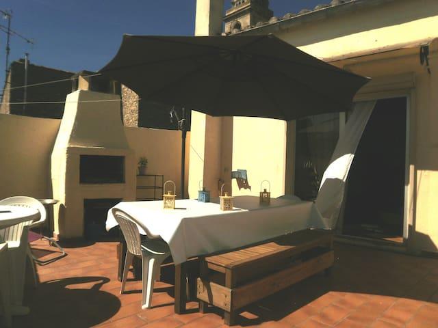 Au calme appt avec grande terrasse - Nîmes - Leilighet