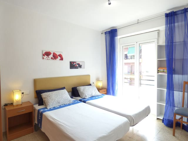 In The City.Nice & Bright with Lift - Alicante - Apartemen