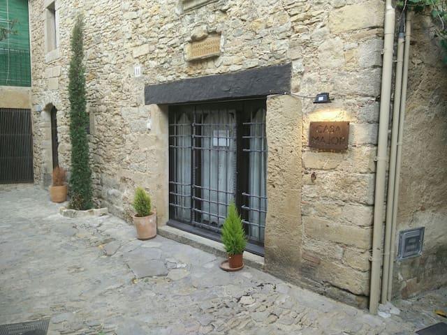Casa de pueblo medieval - Peratallada - Casa