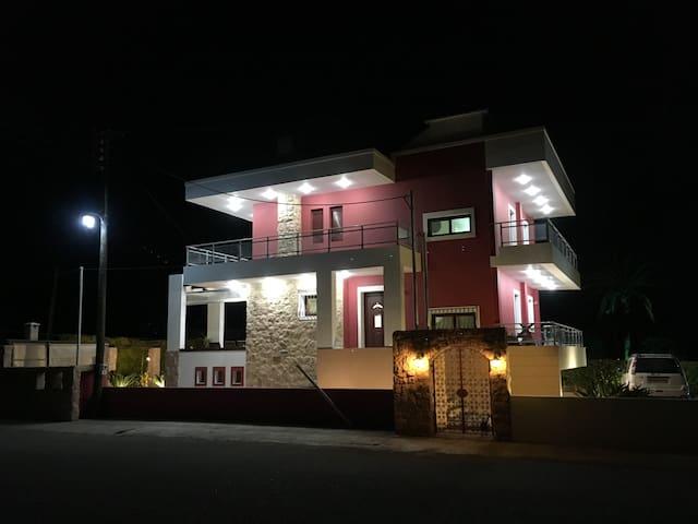 The Red Villa - Beach Front, Sunny & Deluxe Villa