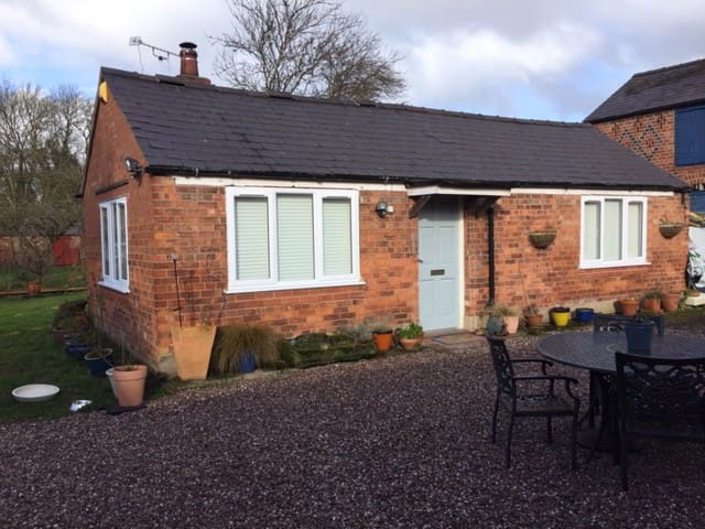 Annex property, 4 miles from Chester City Centre
