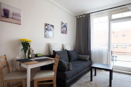 5 min centre -  apartment VLTAVSKÁ - Lägenhet