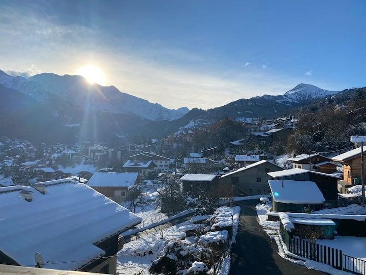 Appartement vu sur la chaîne du Mont Blanc