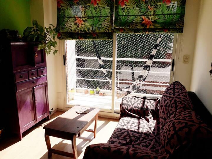 Acogedor departamento con balcón
