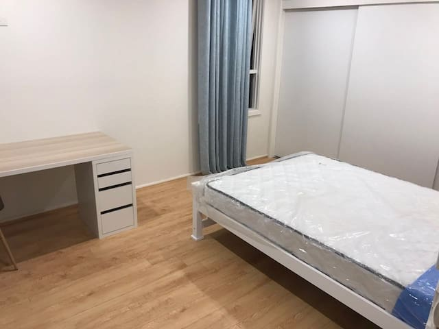 Private and Clean room in Burwood, Near Deakin uni