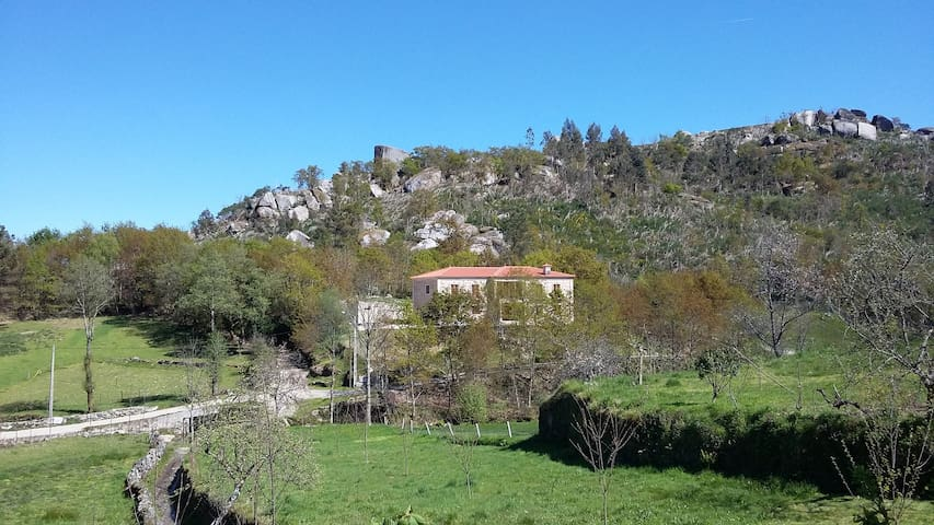 Large luxurious countryside house 300m2 8 people - Celeiro do Monte - Talo
