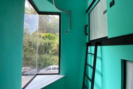 Owl Hostel Single Capsule - Mixed Dorm