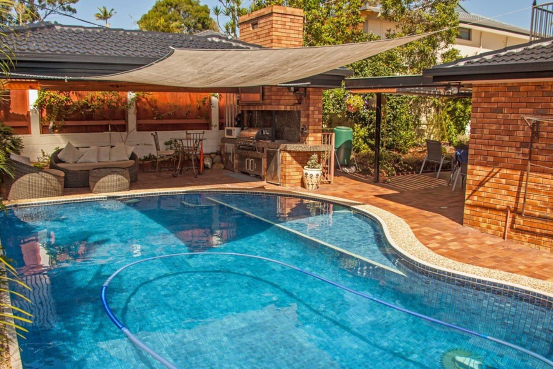 Pool & BBQ entertaining area.