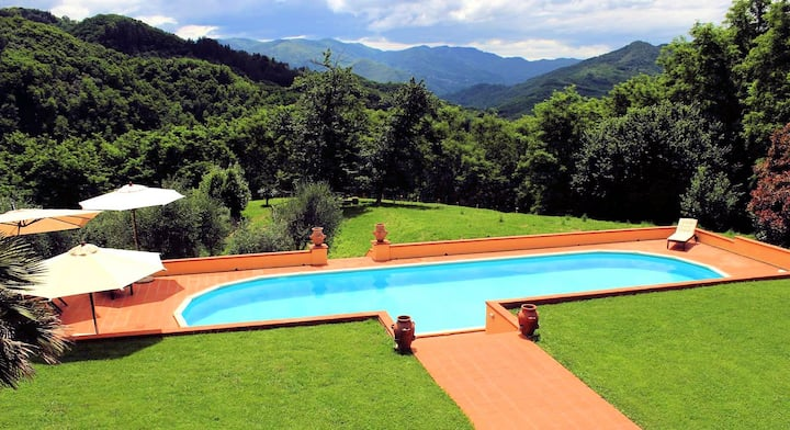 3 bedroom villa, 15m private pool, 2km to town