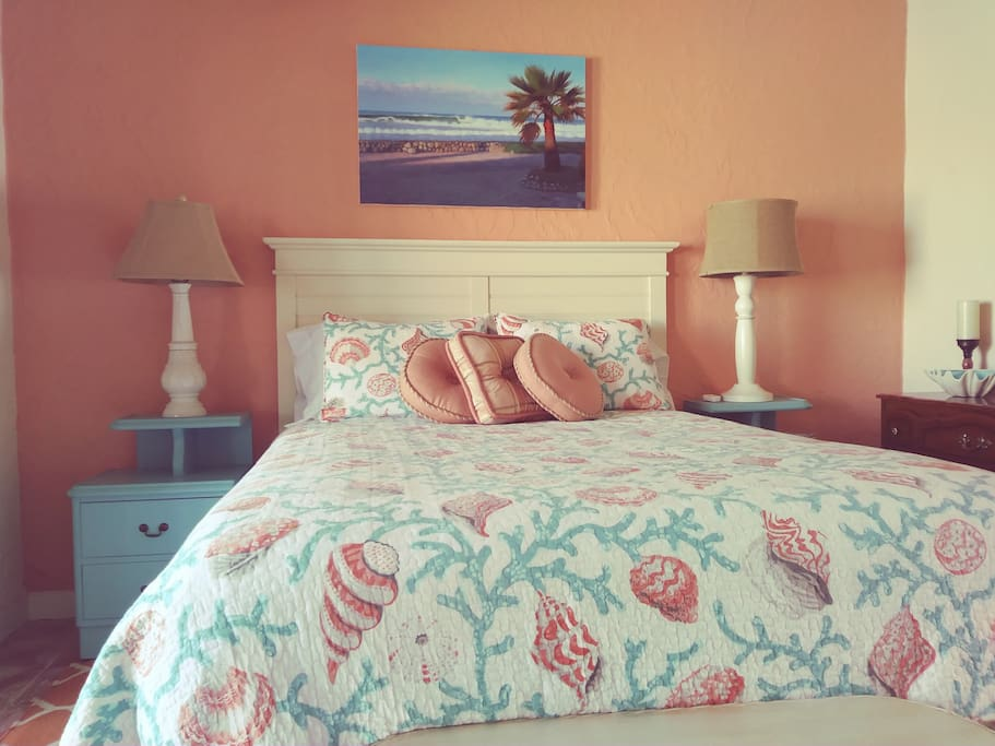 Coral Room- comfy queen bed with an ocean view