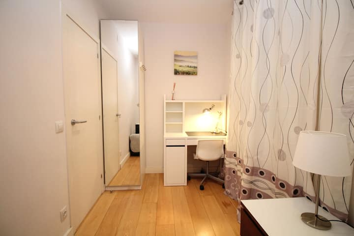 Bonita y amplia habitación individual