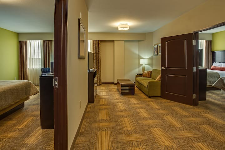 Equipped Suite Near ATL   Free Breakfast + 24h Business Center!