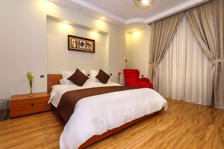 Arabella Residence (Deluxe King Room)