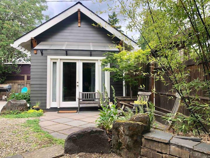 Piedmont Cottage on Peninsula Park