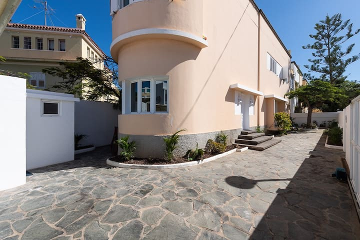 Villa in City Center with 7 bedrooms - The Mansion
