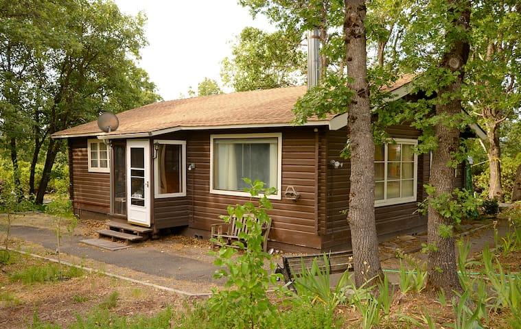Cozy Cedar Cottage