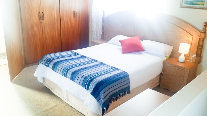 Spacious private room close to lagoon and beach - Jeffreys Bay - Rumah